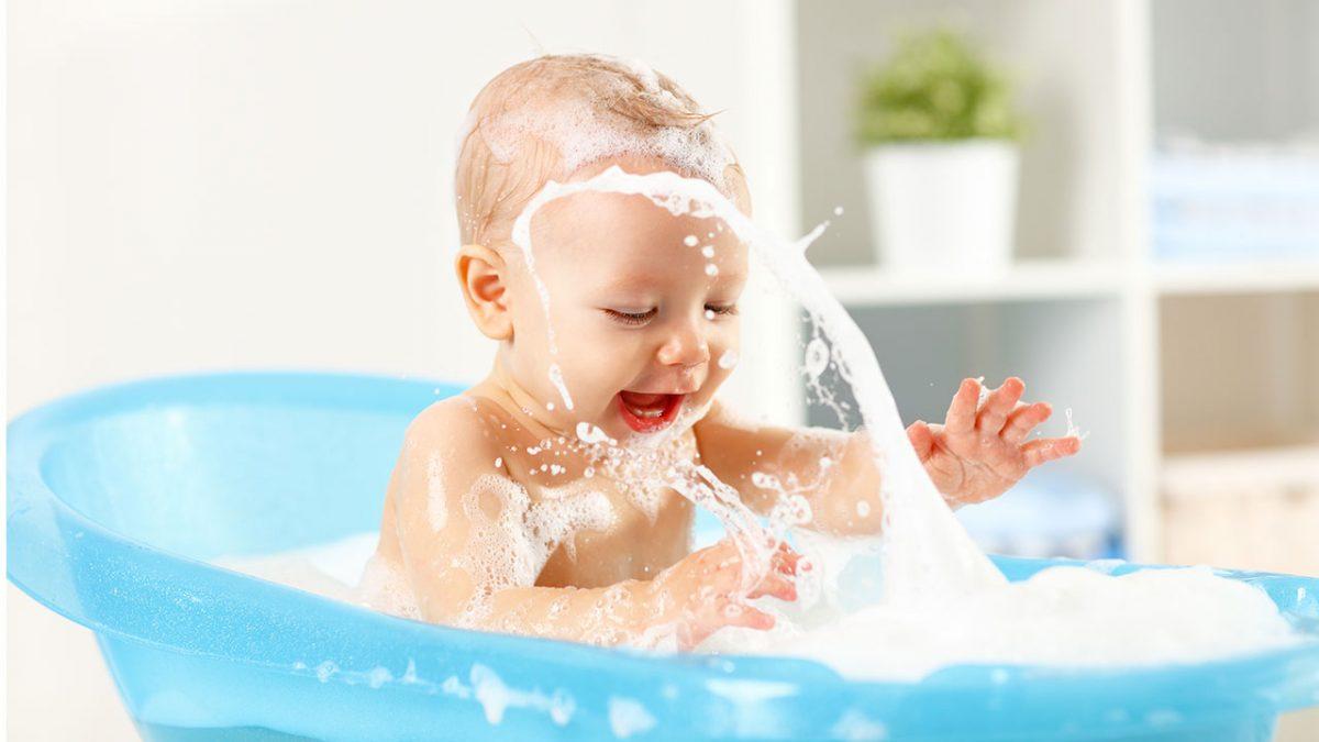 Baby Sebamed te ayuda a cuidar la piel de tu bebé durante el baño
